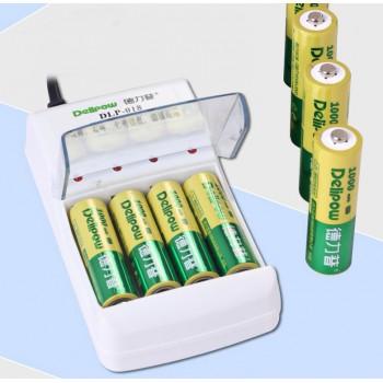 Комплект зарядного устройства на 4 AA/AAA аккумулятора и 4 аккумуляторов AA 1000mAh