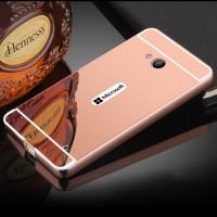 Двухкомпонентный чехол с металлическим бампером и поликарбонатной накладкой с зеркальным покрытием для Microsoft Lumia 640 Розовый