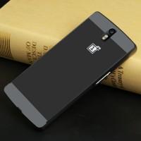Двухкомпонентный чехол с металлическим бампером и поликарбонатной накладкой для OnePlus One Черный