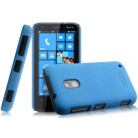 Пластиковый матовый чехол с повышенной шероховатостью для Nokia Lumia 620