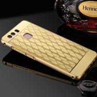 Двухкомпонентный чехол c металлическим бампером с золотой окантовкой, поликарбонатной накладкой и текстурным покрытием Металл для Huawei P9 Бежевый