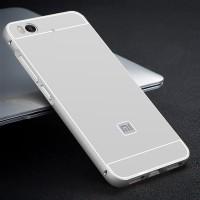 Двухкомпонентный чехол c металлическим бампером с поликарбонатной накладкой для Xiaomi Mi5S Белый
