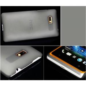 Пластиковый полупрозрачный чехол для HTC Desire 600 Черный