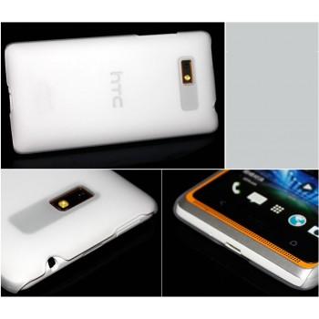 Пластиковый полупрозрачный чехол для HTC Desire 600 Белый