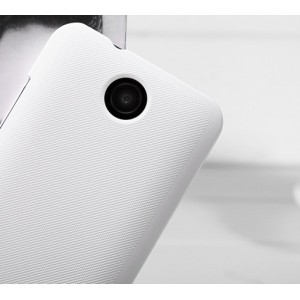 Пластиковый матовый премиум чехол для HTC Desire 300 Белый