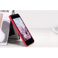 Пластиковый матовый премиум чехол для HTC Desire 300 Красный