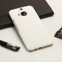 Пластиковый матовый непрозрачный чехол для HTC One M9+ Белый