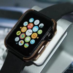 Двухкомпонентный силиконовый чехол с алюминиевой накладкой для Apple Watch 42мм