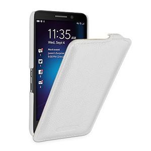Кожаный чехол вертикальная книжка (нат. кожа) с защёлкой для Blackberry Z30 Белый