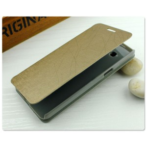 Чехол флип подставка на пластиковой основе с присоской текстура Линии для Samsung Galaxy A3 Бежевый