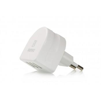 Универсальный сетевой 220В зарядный адаптер на 3 USB разъема 5В (2.1А, 1А и 1А)