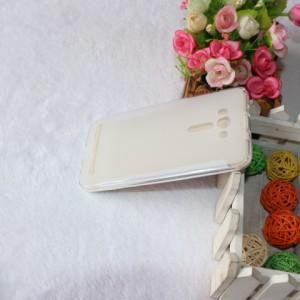 Силиконовый матовый полупрозрачный чехол для ASUS Zenfone 2 Laser 5.5 ZE550KL Белый