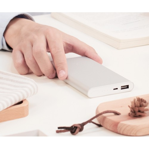 Оригинальное портативное зарядное устройство Xiaomi в тонком 14 мм матовом металлическом корпусе 10000 мАч