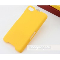Пластиковый матовый металлик чехол для Blackberry Z30 Желтый