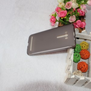 Силиконовый матовый полупрозрачный чехол для ASUS Zenfone Selfie Черный