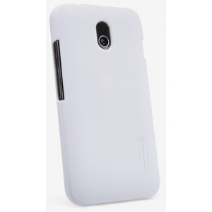 Пластиковый матовый нескользящий премиум чехол для HTC Desire 210 Белый