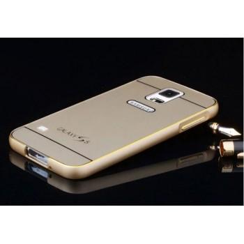 Двухкомпонентный чехол с металлическим бампером с золотой окантовкой и одноцветной поликарбонатной накладкой дизайн Яблоко для Samsung Galaxy S5 (Duos)