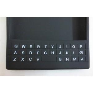 Силиконовый дизайнерский фигурный чехол с покрытием клавиатуры для Blackberry Passport Черный