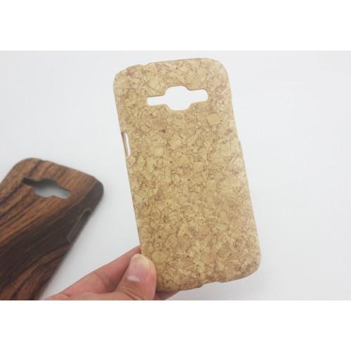 Пластиковый матовый текстурный чехол дизайн Природа для Samsung J1