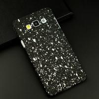 Пластиковый матовый дизайнерский чехол с голографическим принтом Звезды для Samsung Galaxy A7 Белый