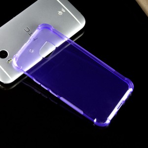 Силиконовый матовый полупрозрачный противоударный чехол с усиленными углами для HTC 10