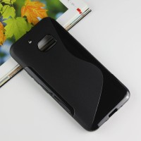 Силиконовый матовый полупрозрачный чехол с дизайнерской текстурой S для HTC 10 Черный