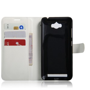 Чехол портмоне подставка на магнитной защелке для ASUS ZenFone Max Белый