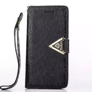 Чехол горизонтальная книжка подставка текстура Точки на силиконовой основе с отсеком для карт на дизайнерской магнитной защелке для Samsung Galaxy S7 Черный