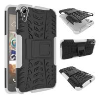 Противоударный двухкомпонентный силиконовый матовый непрозрачный чехол с поликарбонатными вставками экстрим защиты с встроенной ножкой-подставкой для HTC Desire 828  Белый