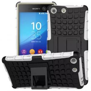 Противоударный двухкомпонентный силиконовый матовый непрозрачный чехол с поликарбонатными вставками экстрим защиты с встроенной ножкой-подставкой для Sony Xperia M5 Белый