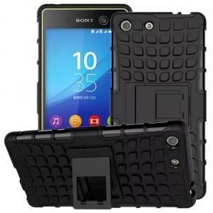 Противоударный двухкомпонентный силиконовый матовый непрозрачный чехол с поликарбонатными вставками экстрим защиты с встроенной ножкой-подставкой для Sony Xperia M5 Черный