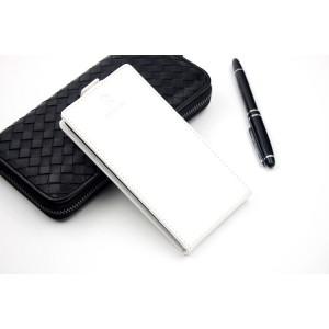 Винтажный чехол вертикальная книжка на клеевой основе с отсеком для карт на магнитной защелке для Highscreen Power Five EVO  Белый