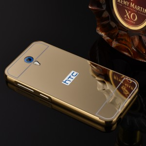 Двухкомпонентный чехол c металлическим бампером с поликарбонатной накладкой и зеркальным покрытием для HTC Desire 620  Желтый