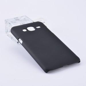 Пластиковый непрозрачный матовый чехол для Samsung Galaxy J3 (2016) Черный