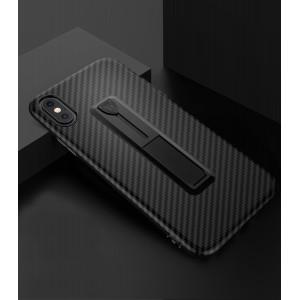 Силиконовый матовый непрозрачный дизайнерский фигурный чехол с встроенной ножкой-подставкой и текстурным покрытием Карбон для Iphone X 10/XS Черный