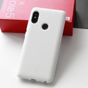 Силиконовый матовый непрозрачный чехол с нескользящим софт-тач покрытием для Xiaomi RedMi Note 5/5 Pro Белый