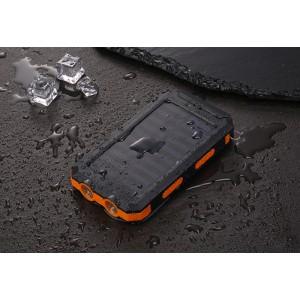 Портативное зарядное устройство 10000mAh в противоударном пылевлагозащищенном корпусе c солнечной батареей, LED-фонариком, 2 разъемами USB (1А+2.1А), встроенным компасом, петлей для карабина и индикатором заряда