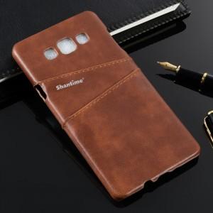Пластиковый непрозрачный матовый чехол накладка с отсеком для карт и текстурным покрытием Кожа для Samsung Galaxy A8  Коричневый