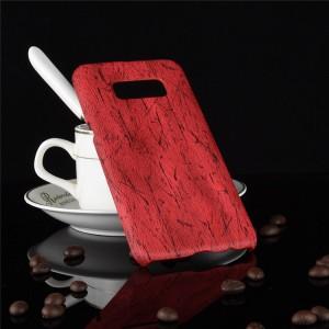 Пластиковый непрозрачный матовый чехол накладка с текстурным покрытием Дерево для Samsung Galaxy S8  Красный