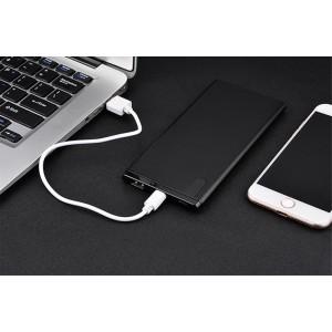 Нанотонкое 10мм портативное зарядное устройство 10000 mAh с USB-портом экспресс-заряда и LCD-экраном Черный