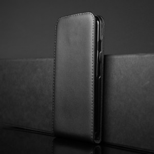 Чехол вертикальная книжка на пластиковой основе с отсеком для карт на магнитной защелке для Iphone 7 Черный