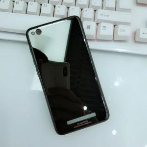 Силиконовый матовый непрозрачный чехол с нескользящими гранями и co стеклянной накладкой для Xiaomi RedMi 4A Черный