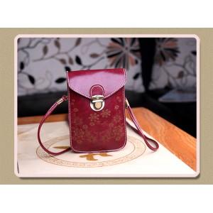 Чехол- сумка на магнитной защелке с принтом цветы и двумя внутренними отсеками Красный