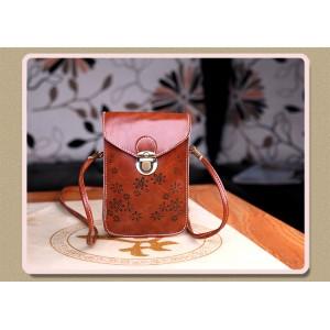 Чехол- сумка на магнитной защелке с принтом цветы и двумя внутренними отсеками Коричневый