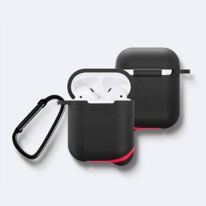Противоударный водоотталкивающий силиконовый чехол с карабином для Apple AirPods Черный