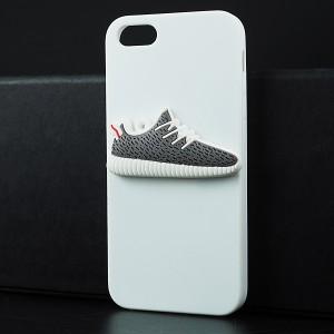 Силиконовый матовый непрозрачный чехол с объемно-рельефным принтом Кроссовок для Iphone 5s/5/SE Белый